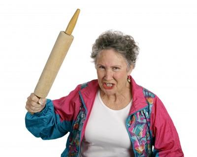 Dấu hiệu nóng nảy ở người cao tuổi
