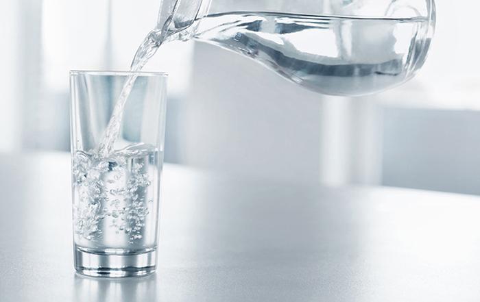 Cải thiện sức đề kháng bằng cách uống đủ nước